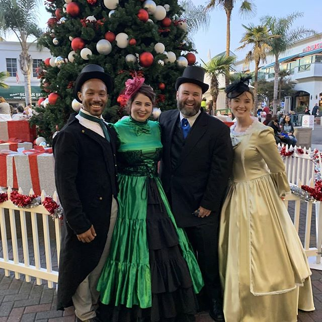 Getting into the holiday spirit! Here's our very own Office Manager @scottnoonanvoice singing with #tcecarolers How do you get into the holiday spirit? Let us know in the comments! #yada #holiday #spirit #caroling #singing #voice #coach #acapella #losangeles #musical #theatre #tistheseason #memories #professional